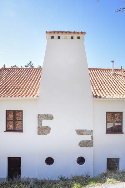 Traseiras da Casa Cerro da Correia e Casa da Sicó