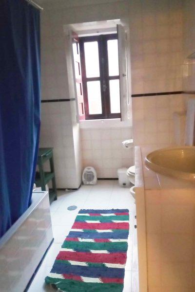 Casa de banho (rés do chão)
